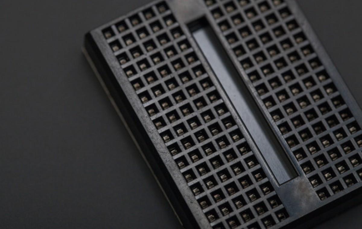 Mini Bread Board Self Adhesive-170Points - Black